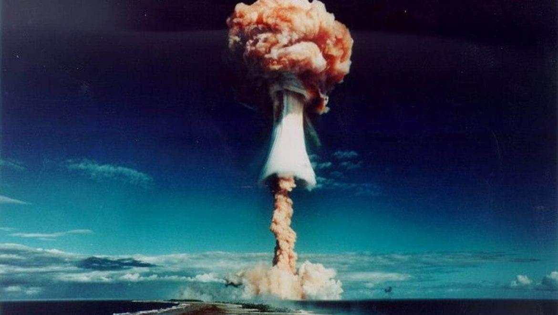 52 playlist - 1996: test nucleare sull'isola di Mururoa
