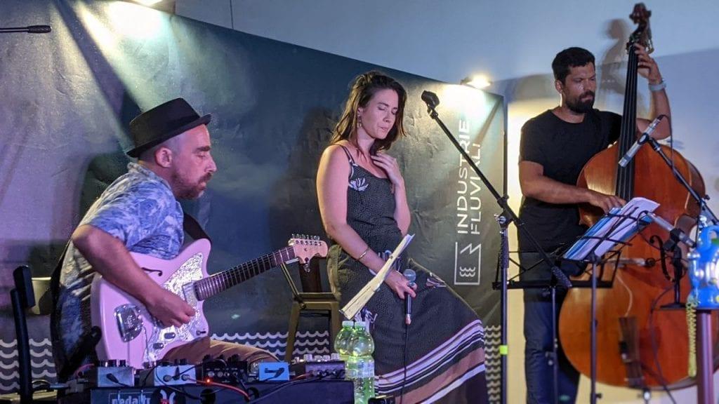 Folk e jazz dalle Città in Piena: Costanza Alegiani sul palco